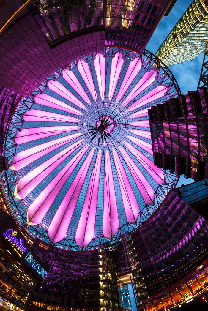 Sony Center (Explored) © David Melchor Diaz, 2014 (flickr.com)